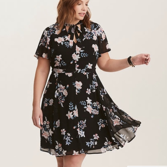 torrid Dresses & Skirts - Torrid Floral Print Chiffon Skater Dress Sz 24